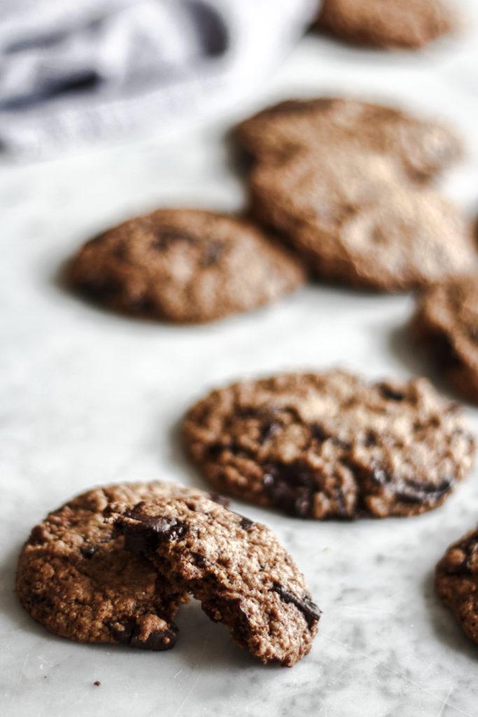 cookies, cioccolato, biscotti, accade in tavola