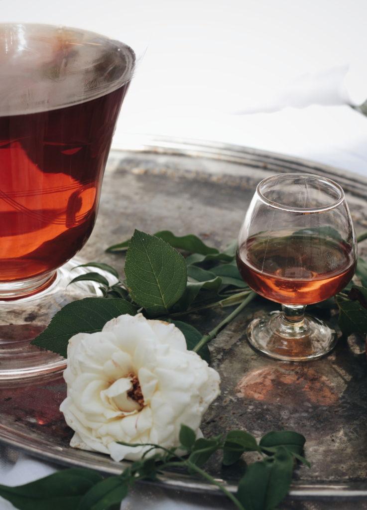 rosolio, rosa, bicchieri,liquore, accadeintavola