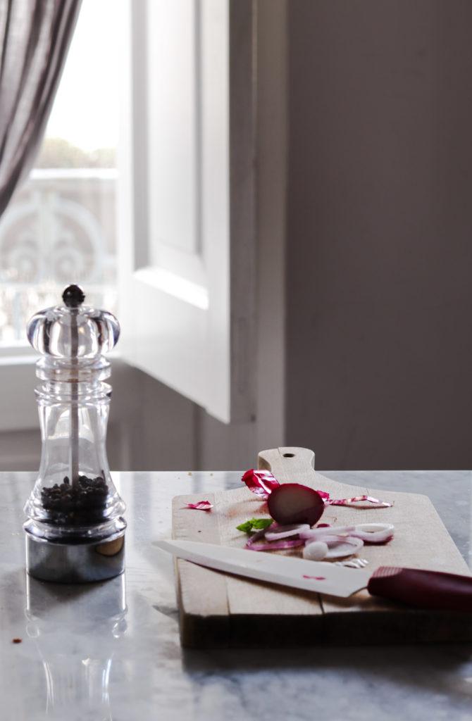 cucina, marmo, coltello, cipolla, pepe,accade in tavola