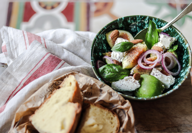 insalata, fichi, ricetta, pane